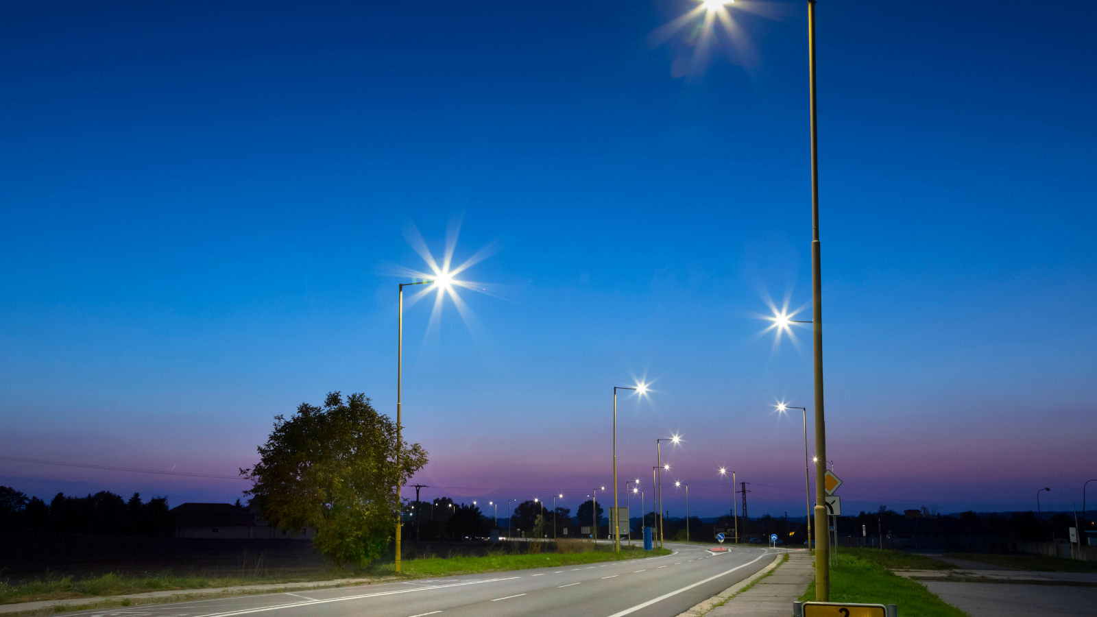 SMART-SPACE: Smart lightning system for North-Western European cities